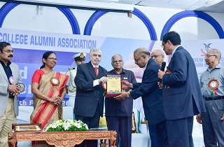 Dr. Muhammed Majeed, Founder & Chairman of Sami Labs was honored on the occasion of Annual Celebration of Alumni Association of Trivandrum Medical College on February 16th, 2019 by Honorable Governor of Kerala, Shri. Justice (Retd) Palanisamy Sathasivam