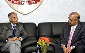 Dr. Muhammed Majeed meets Dr. AAMS Arefin Siddique, Vice Chancellor of Dhaka University